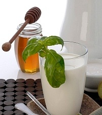 Обертывание с медом и молоком