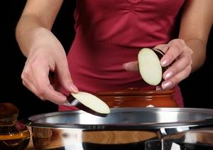 Как правильно готовить баклажаны