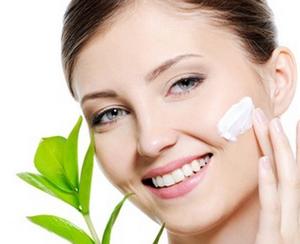 Уход за нормальной кожей лица летом