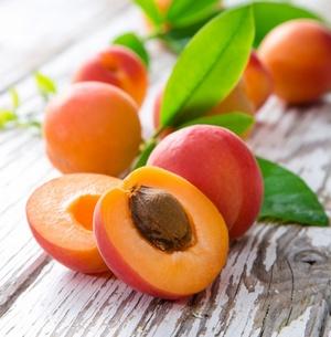 Чем абрикос хорош для кожи лица