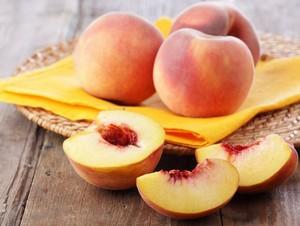 Маски из персиков для лица
